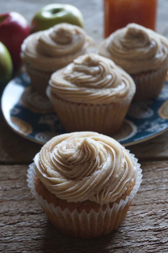 Cupcakes-Into-Light