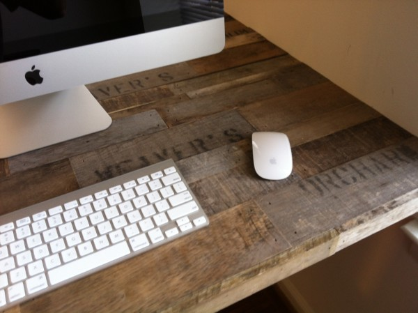 Apple Crate Desk2