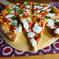26. Bruschetta-Pizza