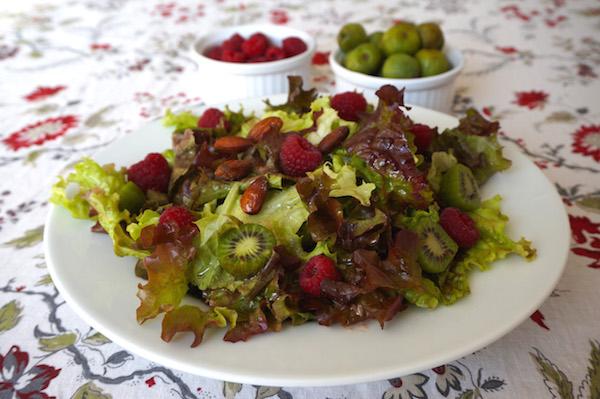 Kiwiberry-Raspberry-Salad-600