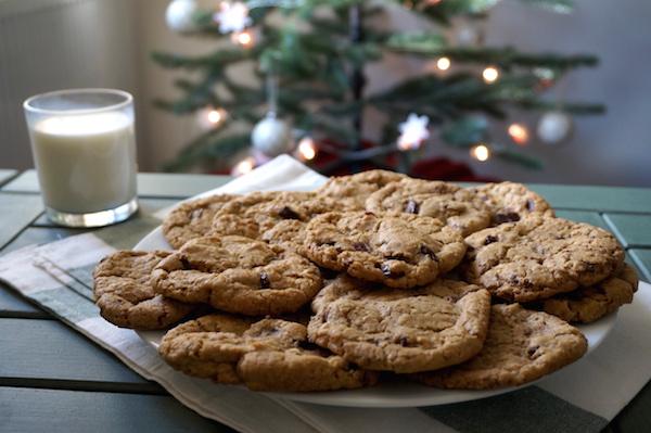 Milk-Cookies-600