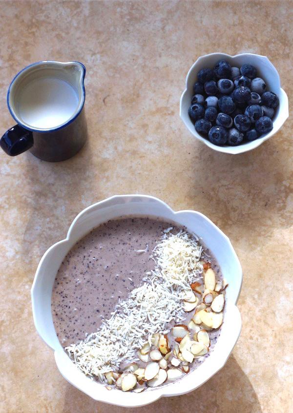 blueberry-smoothie-bowl
