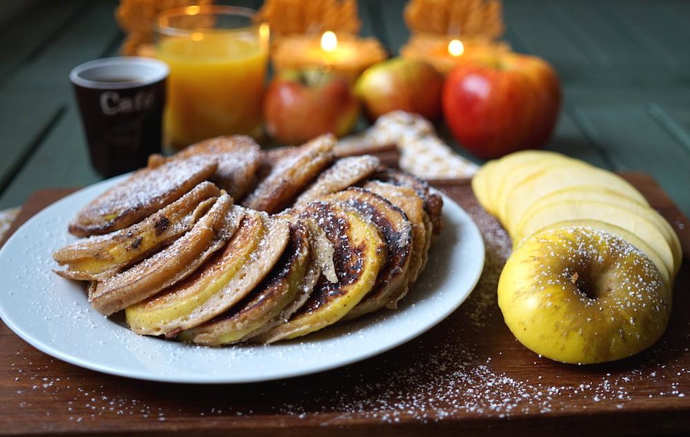 apple-ring-pancakes